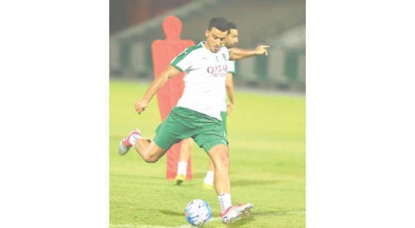 アルスマ選手(http://aawsat.com/home/article/692746/انفراج-في-أزمة-تأشيرة-السومة )