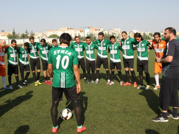 マルワーン・モナー:まもなく自由シリア代表には多くの著名で有能な選手たちが合流するだろう。(アルジャジーラ)http://sport.aljazeera.net/football/2016/7/4/المنتخب-الوطني-السوري-الحر-يرى-النور